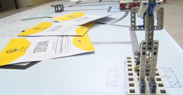 Prva osnovna skola-robotika.mpg.Still001
